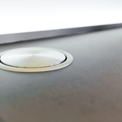 designkueche-hochglanz-weiss-fernseher-keramik-glas_33