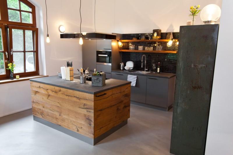 exklusiv-design-kueche-holz-landhaus-naturstein-chabby_61
