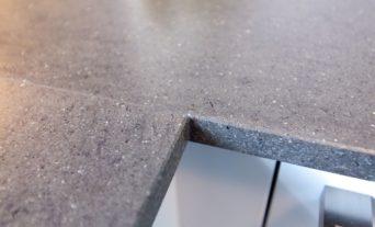 funktionale-klassik-kueche-miele-neff-naturstein-arbeitsplatte-29_thumb