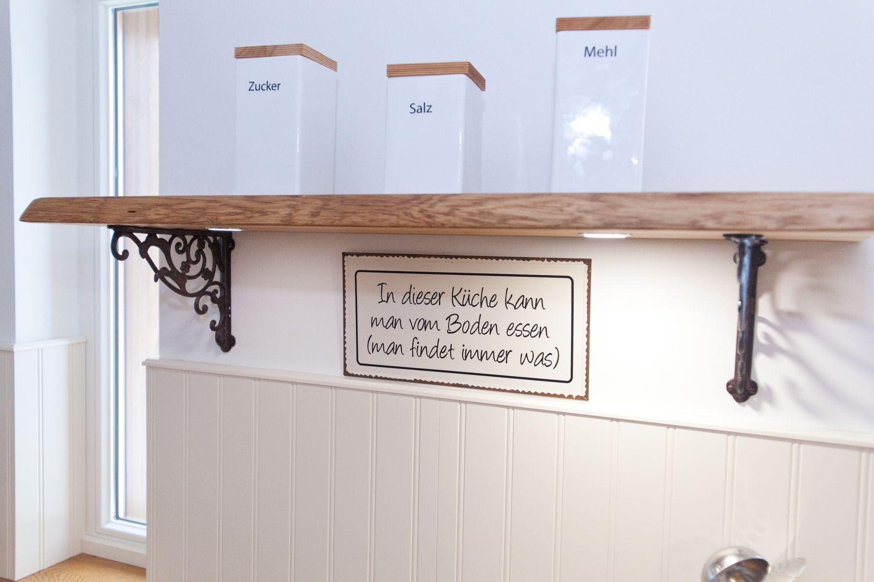 Große Landhausküche in weiß mit Küchenblock und Grauwacke ... | {Landhausküche weiß 52}