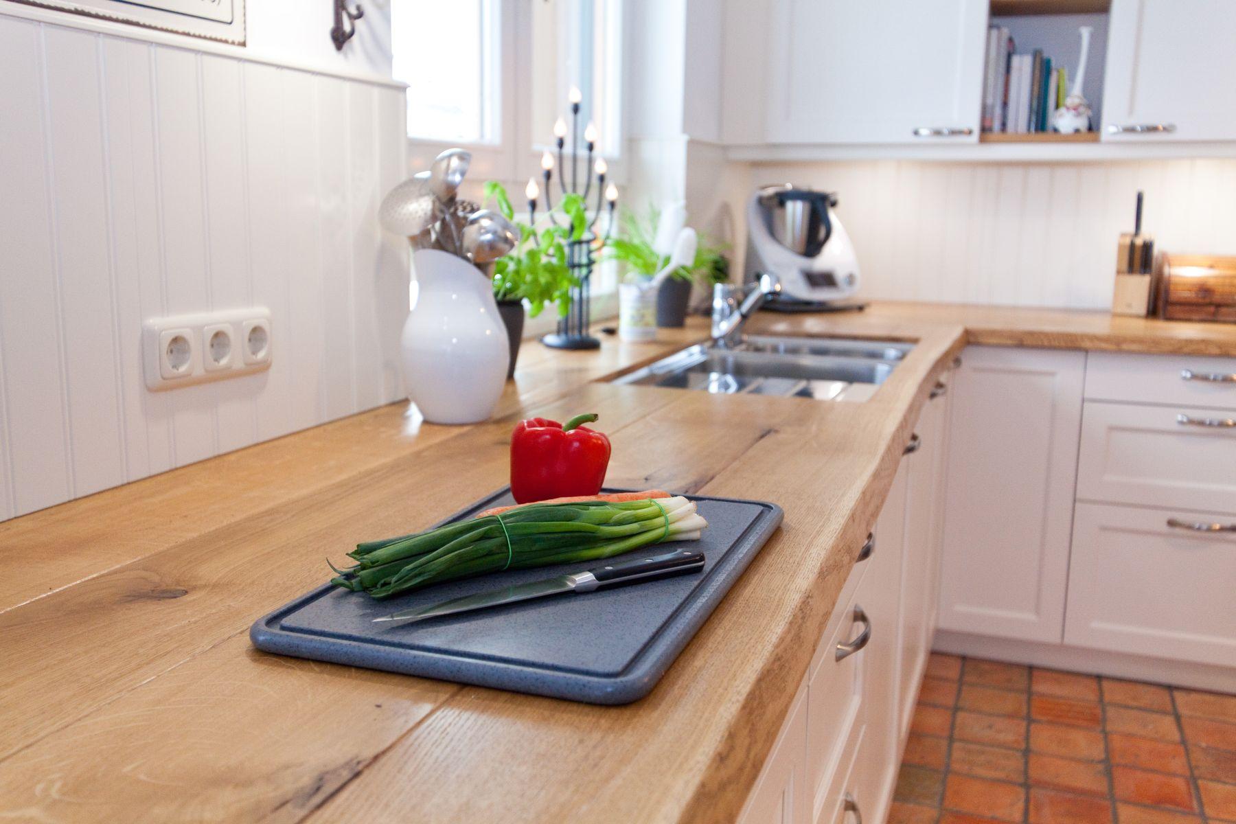 massivholz- & echtholz-arbeitsplatten in der küche - küchenhaus