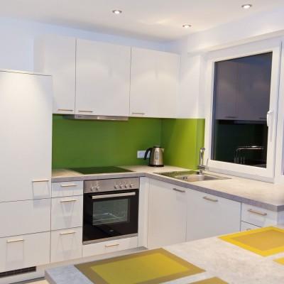 Küche Einliegerwohnung – schlicht, weiß und einfach - Küchenhaus ...