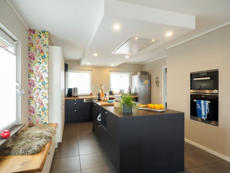 Massivholz- & Echtholz-Arbeitsplatten in der Küche - Küchenhaus Thiemann
