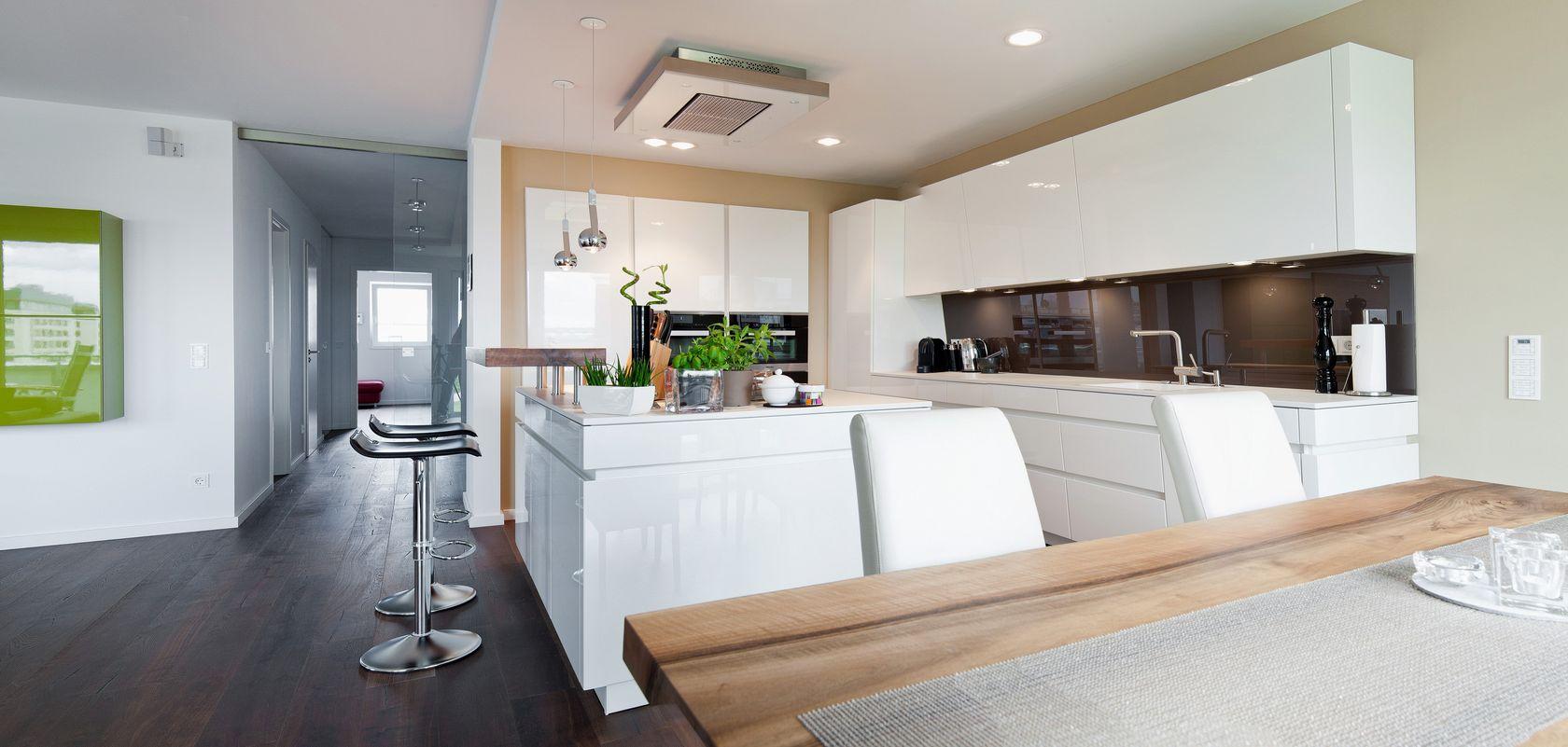 Küche Mit Kochinsel Grifflos ~ kochinsel küchentraum in hochglanz weiß mit theke und modernster technik küchenhaus thiemann