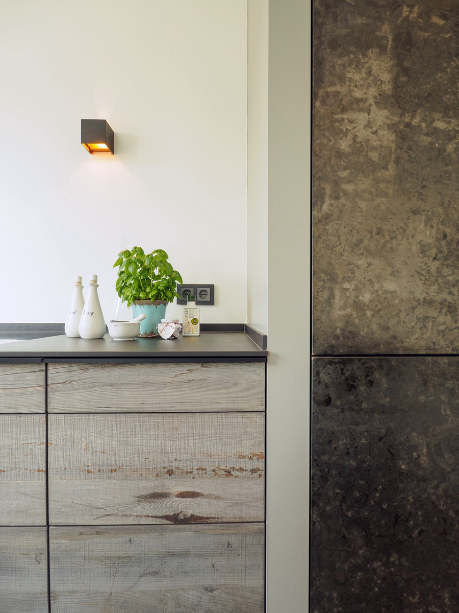 Kueche Exklusiv Design Fronten Holz Furnier Sonnenverbrannt Stahl Keramik Arbeitsplatte Miele 10