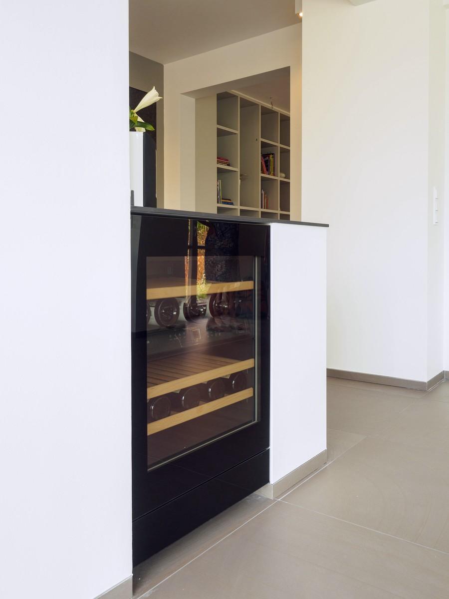 Kueche Exklusiv Design Fronten Holz Furnier Sonnenverbrannt Stahl Keramik Arbeitsplatte Miele 43