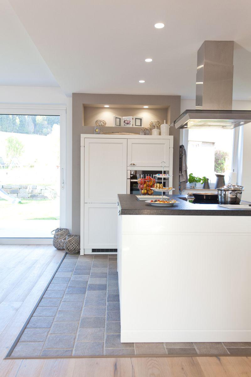 moderne aber auch rustikale küche im landhaus-design in weiß mit ... - Neff Küche