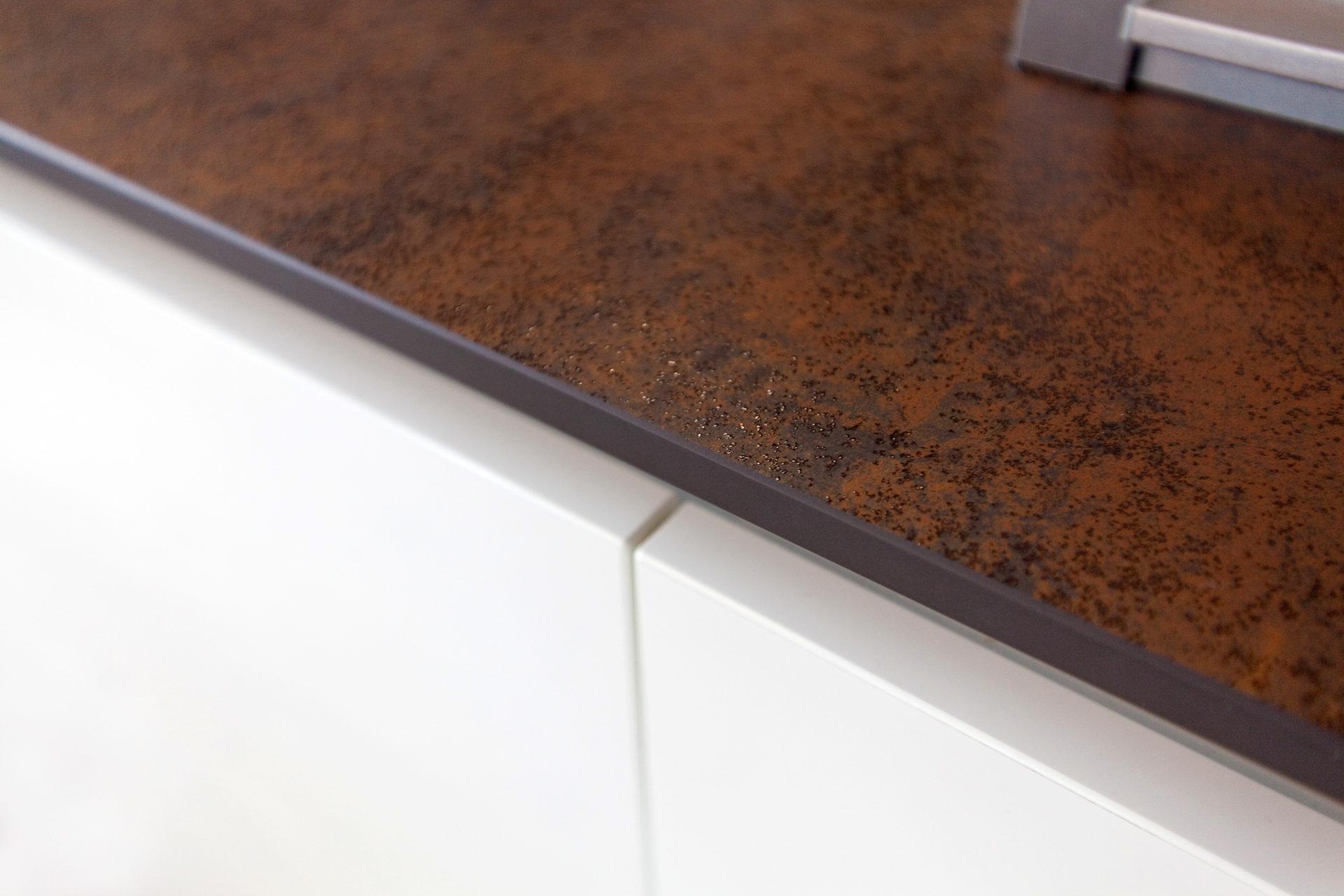 Kueche Overath Weiss Granit Modern Grifflos Bora Miele 032