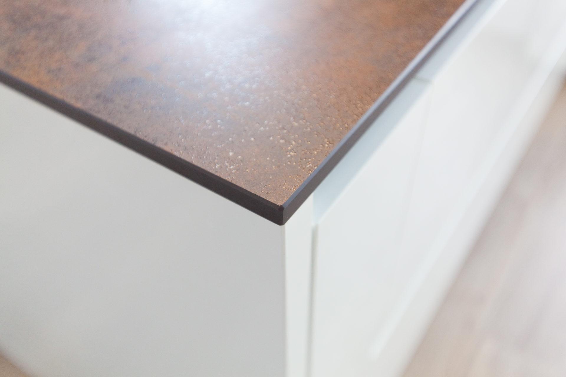 Kueche Overath Weiss Granit Modern Grifflos Bora Miele 046