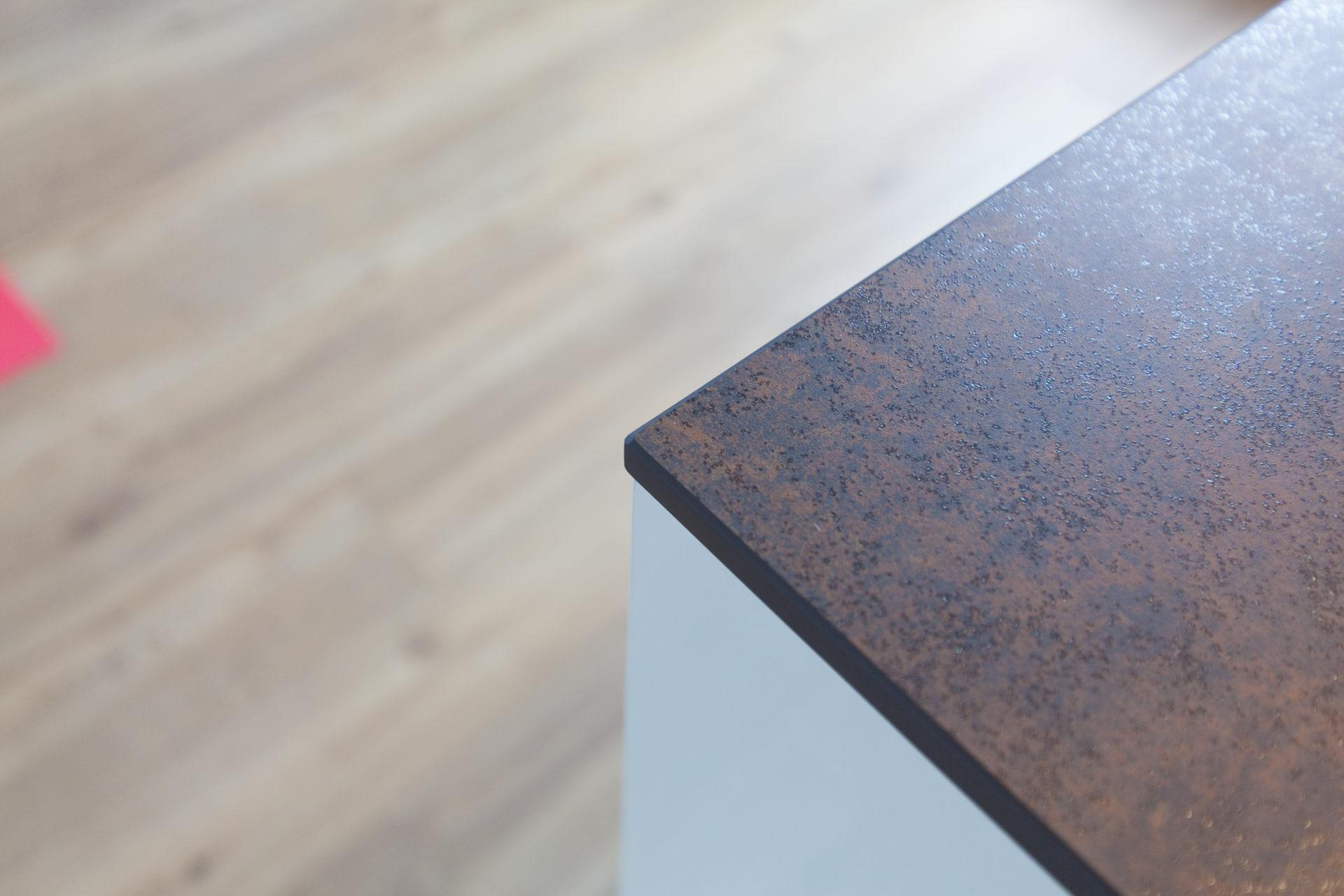Kueche Overath Weiss Granit Modern Grifflos Bora Miele 091
