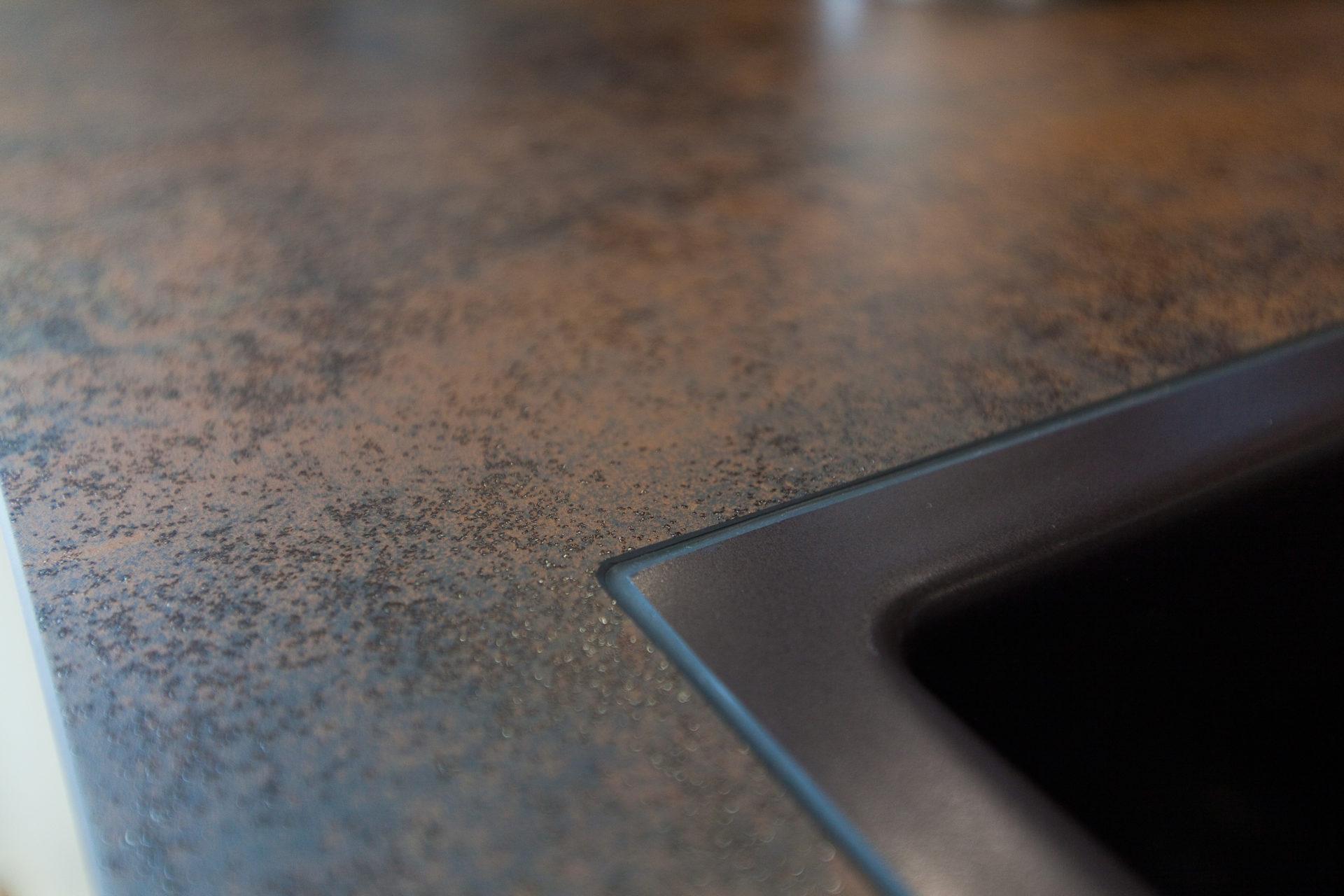 Kueche Overath Weiss Granit Modern Grifflos Bora Miele 115