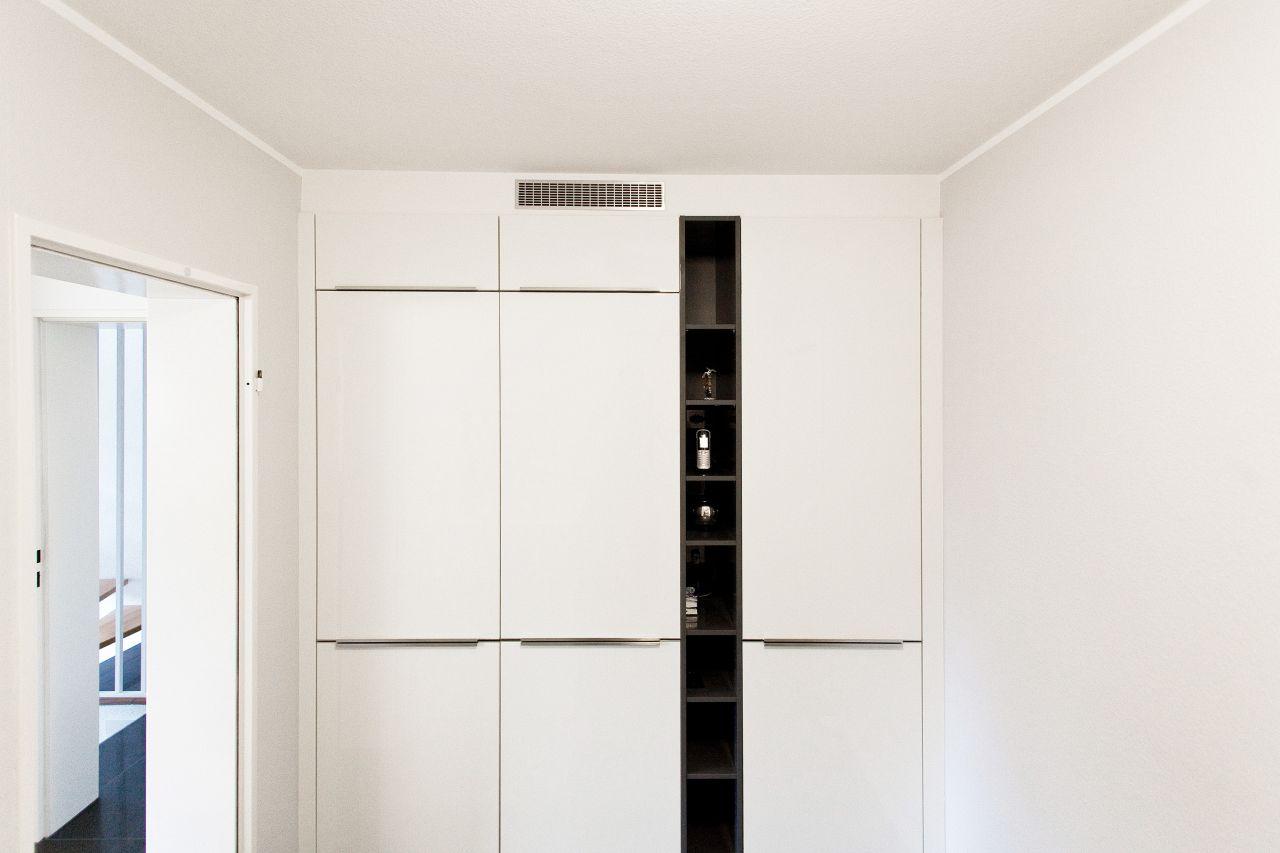 Arbeitsplatten Küche Weiß Hochglanz : Küche grifflos weiß ...