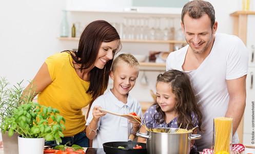 kuechen-aktuell-einbaukueche-kochen-leben