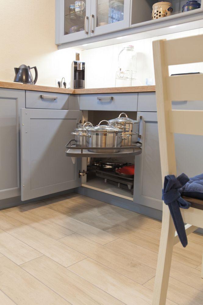 Einbau Küchenmöbel Eichenholz Furniere Pendelleuchte Design