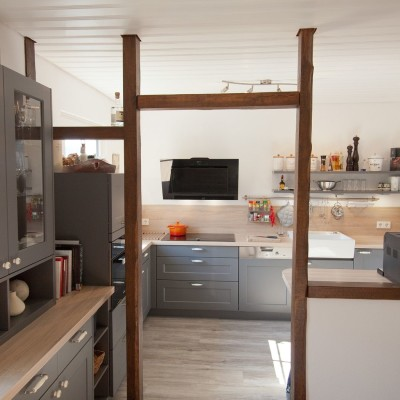 Landhausküchen im modernen Wohnumfeld ✓ Küchenhaus Thiemann ⇒