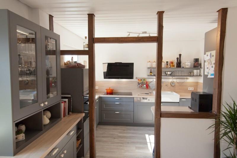 landhaus-kueche-oberberg-modern-holz-arbeitsplatte_2