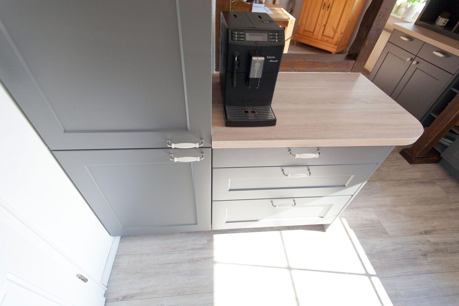 Küche im Landhausstil aus dem Oberbergischen - Küchenhaus Thiemann ...