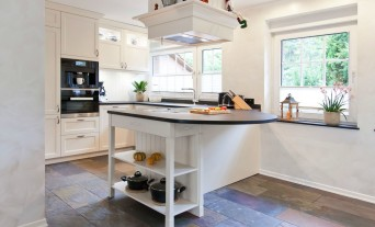 Landhaus-Küchen - Küchenhaus Thiemann Overath/Vilkerath | {Moderne landhausküchen mit kochinsel 36}