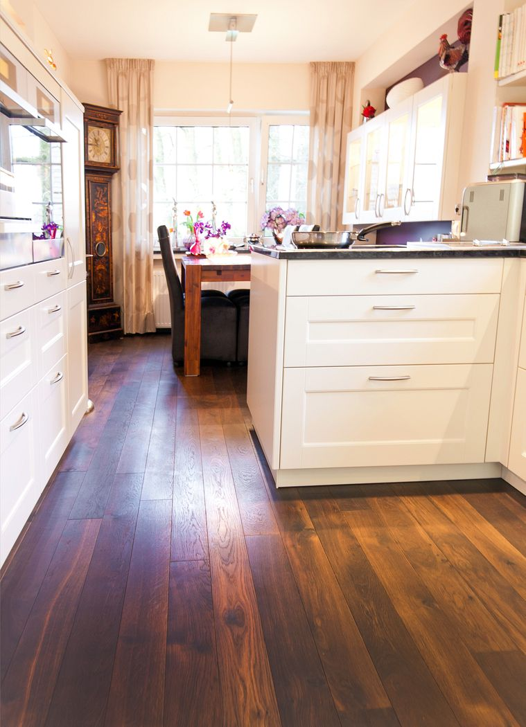 wohnliche landhausk che mit viel licht und stauraum k chenhaus thiemann overath vilkerath. Black Bedroom Furniture Sets. Home Design Ideas