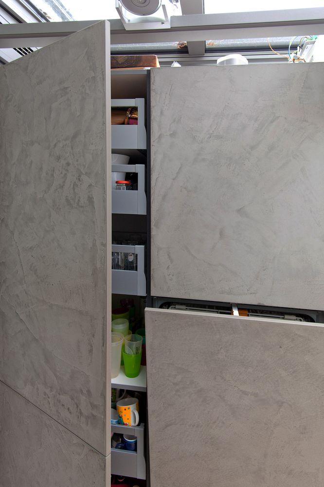 Leicht Küche mit Grauwacke Arbeitsplatte und Küchenfronten in ... | {Leicht küchen beton 96}
