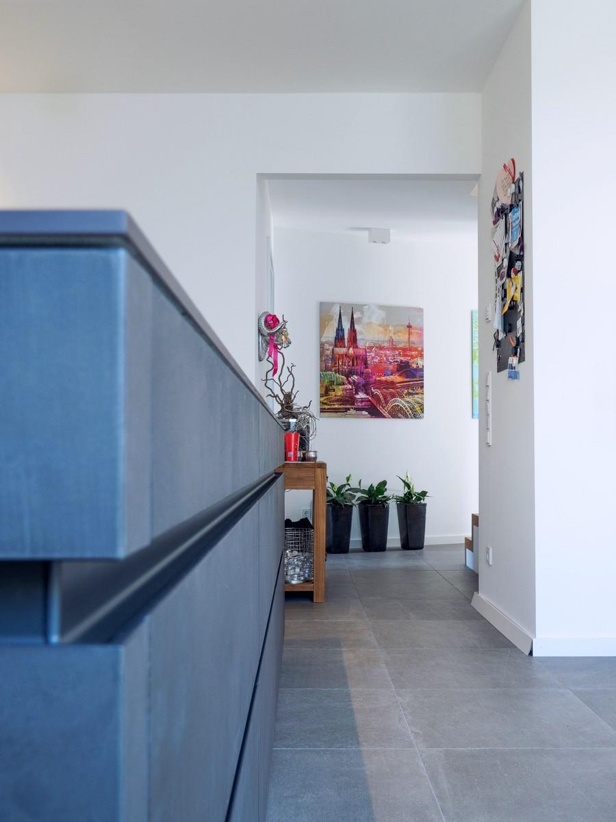 Leicht Kueche Grifflos Weiss Beton Fronten Arbeitsplatte Keramik Miele Elektro Kochmuldenluefter 6