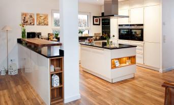massivholz-kueche-design-modern-weiss