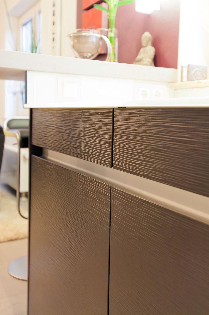 Moderne Leicht Küche Mit Glas-Arbeitsplatte Und Theke - Küchenhaus