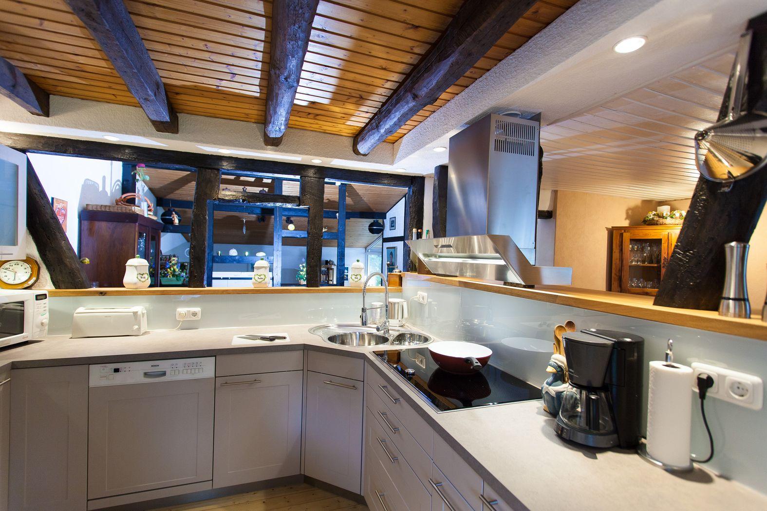 Moderne Küche im 150 Jahre alten Fachwerk-Haus - Küchenhaus Thiemann ...