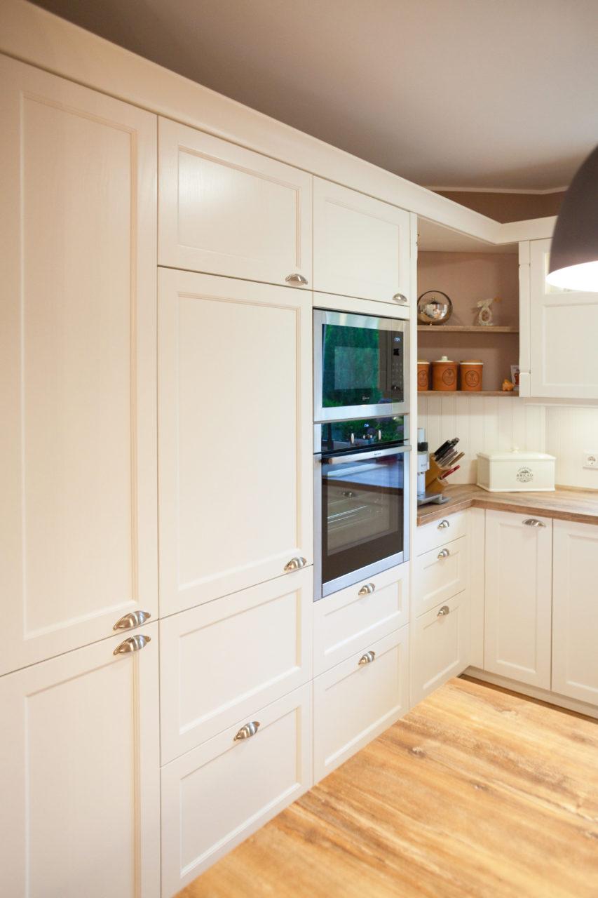 Moderne Landhauskueche Weiß Klassisch Holz Kueche Kochinsel Bora Neff 004