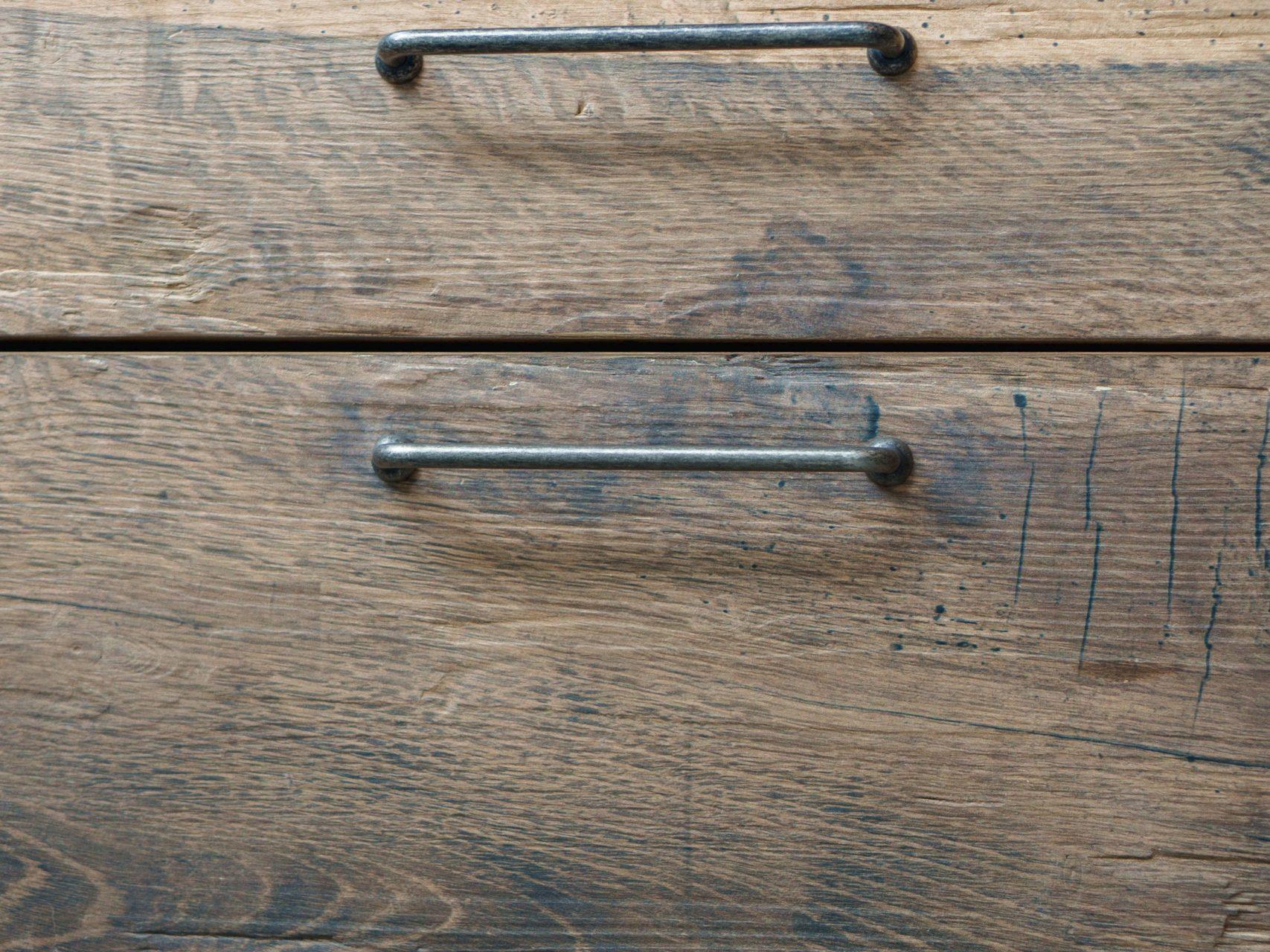 Schreinerkueche Eiche Altholz Design Regalelementen Stahl Industrielook Bora Dekton Miele Liebherr 15